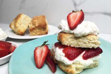 strawberry-shortcake-with-whipped-mascarpone-cream